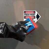 Bilingual ToughWash® Arrow Labels - Danger Pinch Point