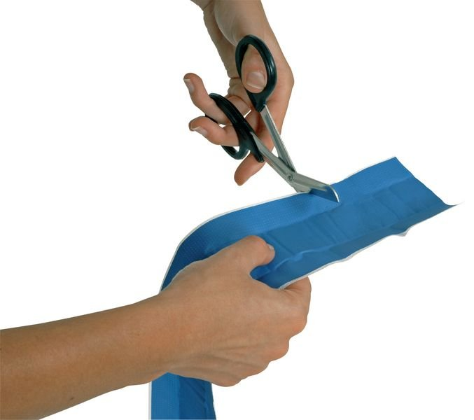 Bande de pansement à découper bleue détectable