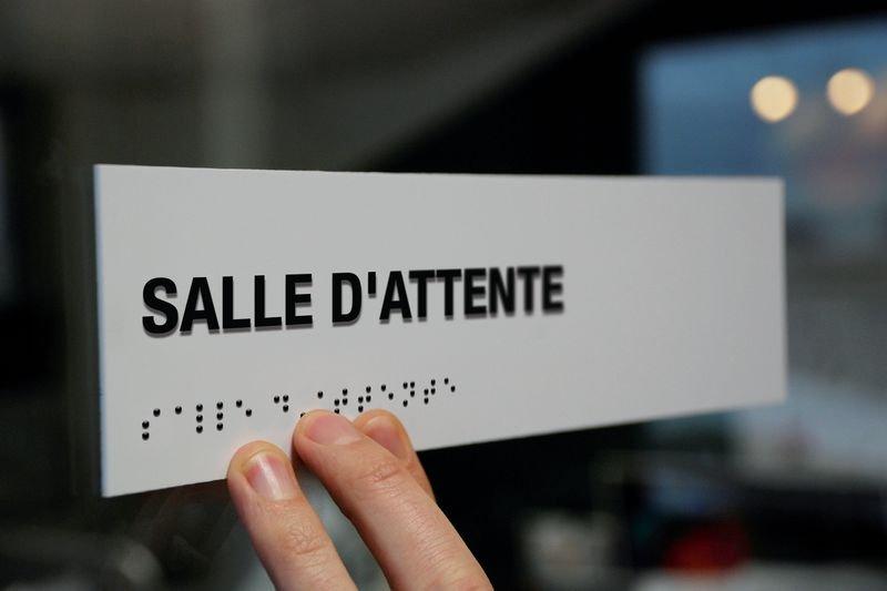 Signalétique braille PVC avec texte Salle d'attente