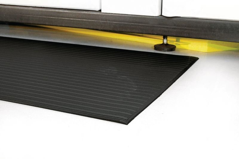 Tapis anti-fatigue noir en rouleau