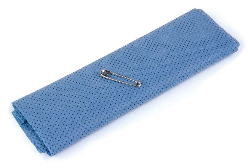 Echarpe triangulaire bleue non tissée