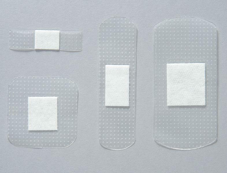 Assortiment de pansements transparents prédécoupés