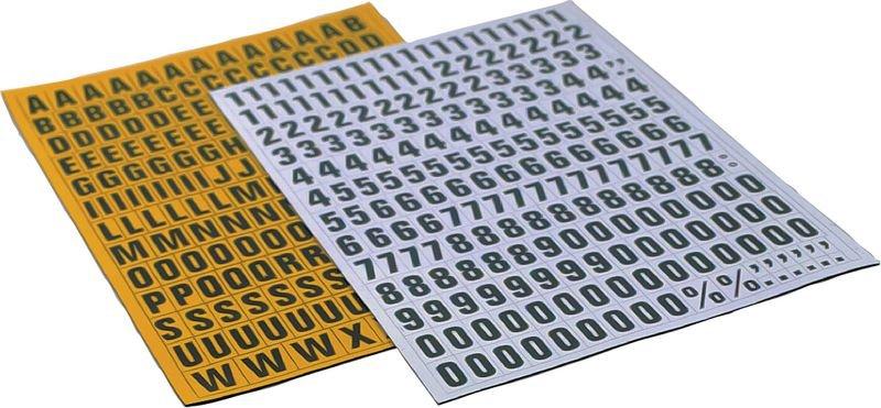 Planche lettres + signes magnétiques