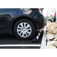 Butée de parking avec bandes blanches