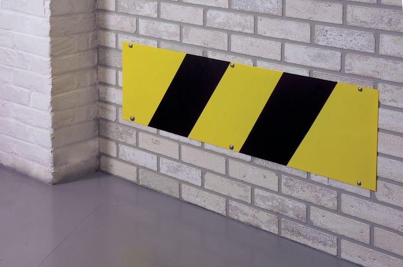 Plaque protège bas de mur