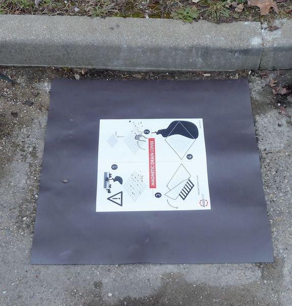 Plaque d'obturation magnétique pour égouts