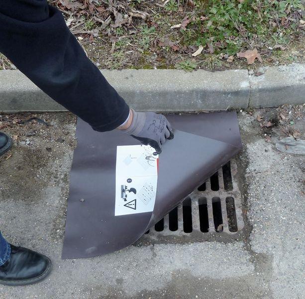 Plaque d'obturation magnétique pour égouts - Signals