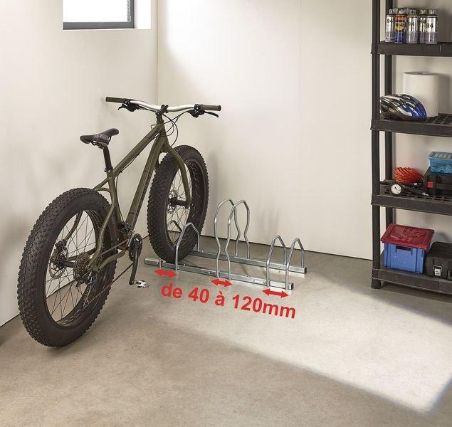 Range-vélos réglable pour pneus larges