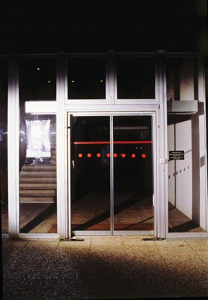 Rouleau adhésif rouge fluorescent 25 m de long - Signals