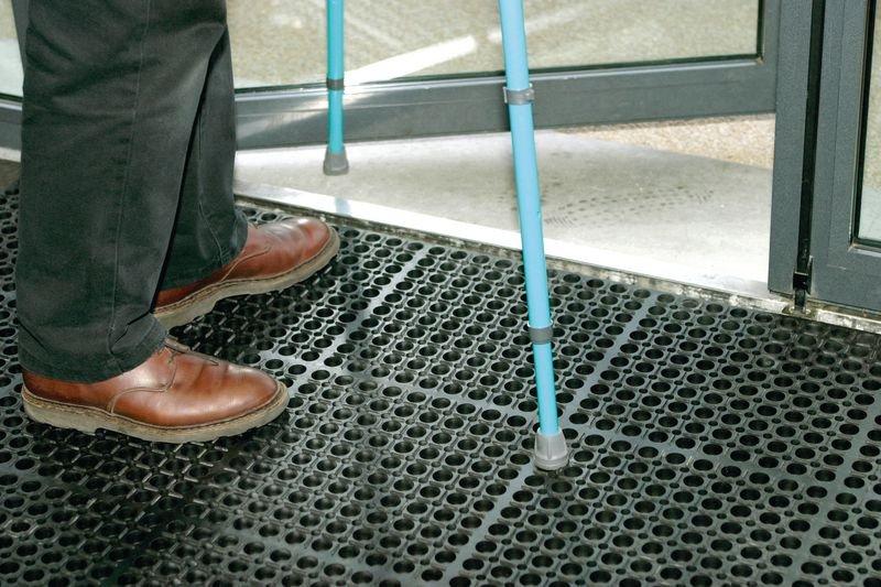 Caillebotis en caoutchouc personnes handicapées