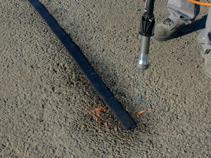 Rouleau en résine pour la réparation des fissures - Marquage routier
