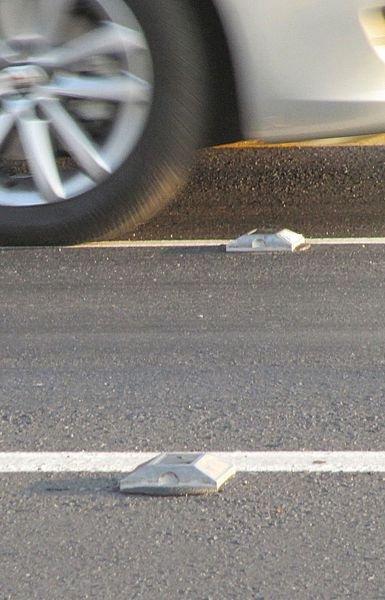 Plot routier solaire aluminium - Signals