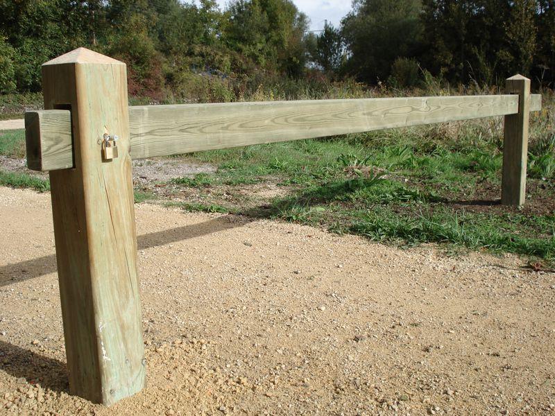 Barrière coulissante bois
