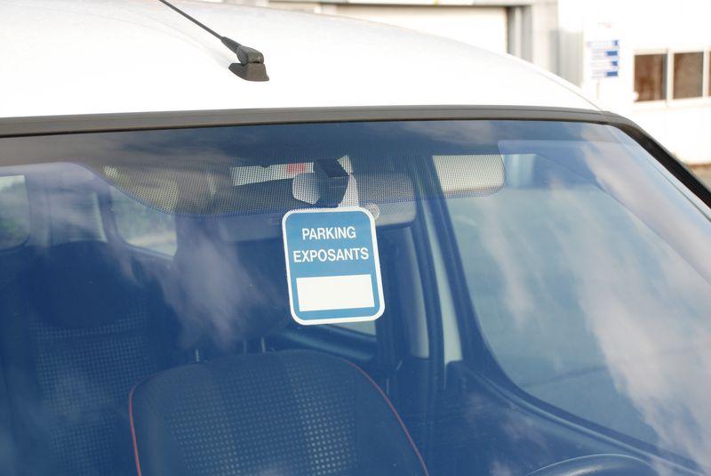 Badges à suspendre Personnalisés sans Numéro