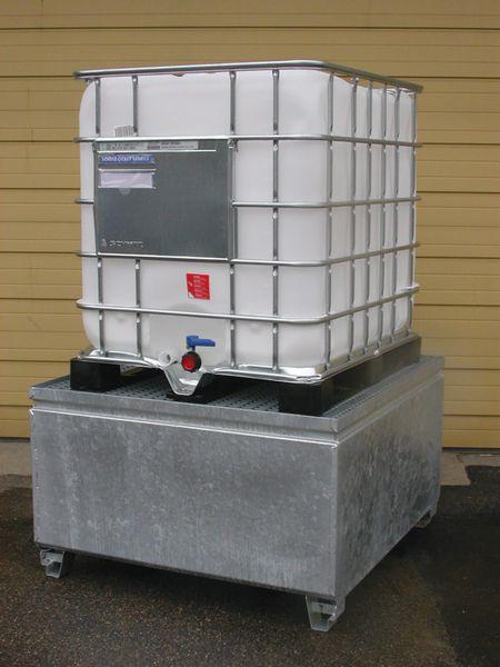 Bacs de rétention métalliques (photo)