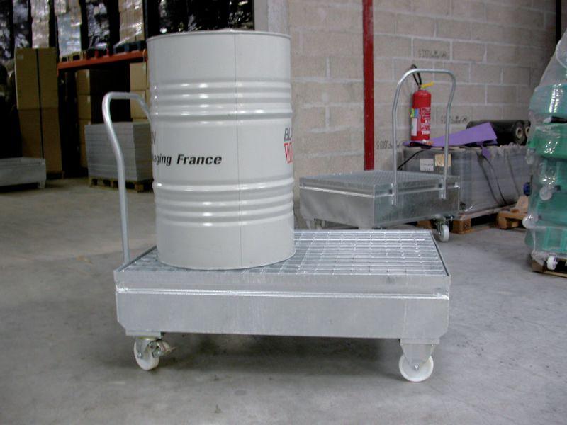 Chariot métallique pour fût de rétention (photo)