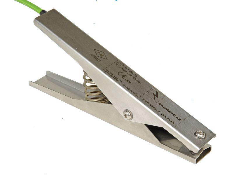 Pinces et câbles de mise à la terre (photo)