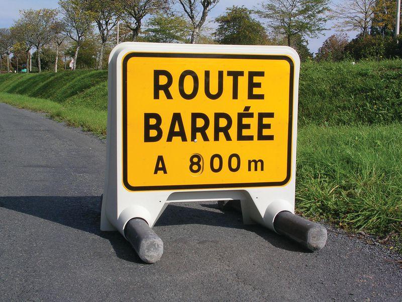 Panneau Mistral Route barrée avec disque de distance (photo)