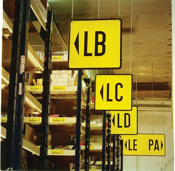 Panneau vierge couleur pour marquage entrepôt (photo)