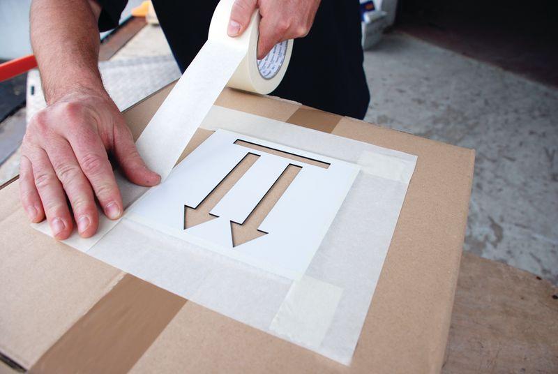Pochoirs textes pour cartons d'emballage
