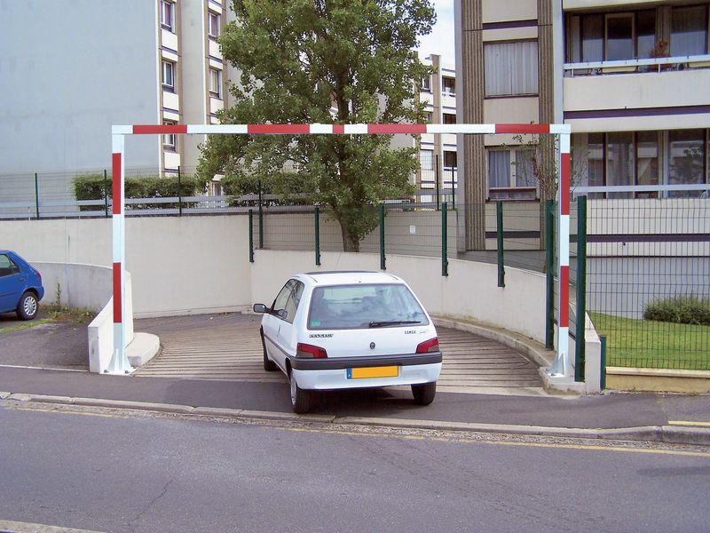 Portique fixe universel avec ou sans tirants (photo)