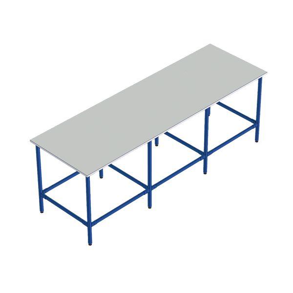 Tables de travail pour atelier ou entrepôt (photo)
