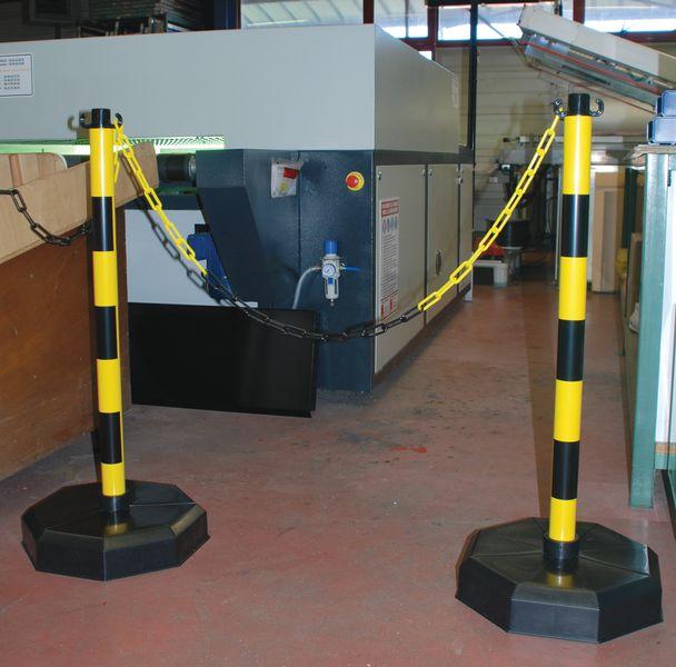 Poteau à chaîne PVC à lester ou lesté (photo)