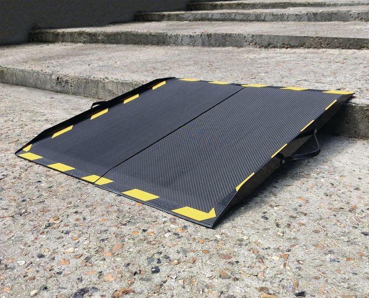 Rampe spécifique d'accès en carbone (photo)