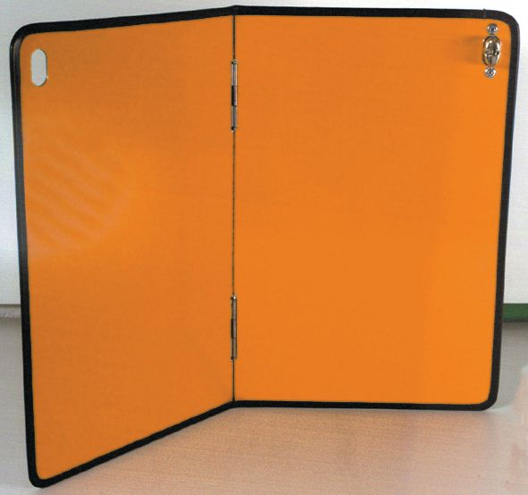 Plaque orange rétroréfléchissante