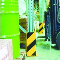 Heavy duty edge protectors for pallet racking