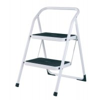 Easy-fold step ladder