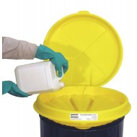 Lockable polyethylene cover for the Enpac poly-drum funnel