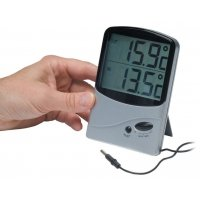 Battery-Powered Dual-Sensor Memory Thermometer with Large Screen