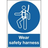 Clear and Concise Wear Safety Harness Signs