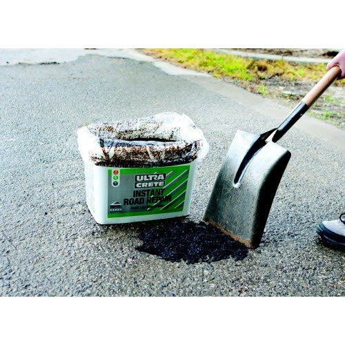 INSTANT AND QUICK DRYING POTHOLE REPAIR - Outdoor Maintenance