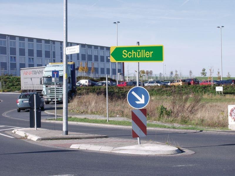 Rohrrahmen für dreieckige Verkehrszeichen, Österreich - Verkehrsschilder