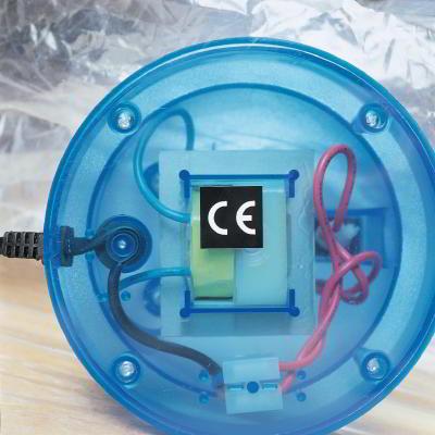 CE-Folienetikett klebt auf Elektrogerät