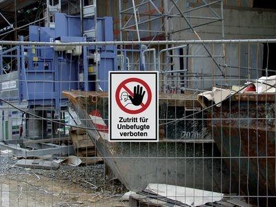 """Kombinationsschild mit Symbol """"Ausgestreckter Hand"""" und Text """"Zutritt für unbefugte verboten"""""""