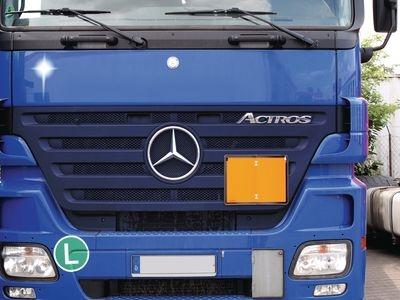 Transportfahrzeug mit Warntafel nach ADR orange unbeschriftet