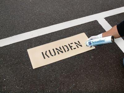 Schablonen zur Parkplatzkennzeichnung