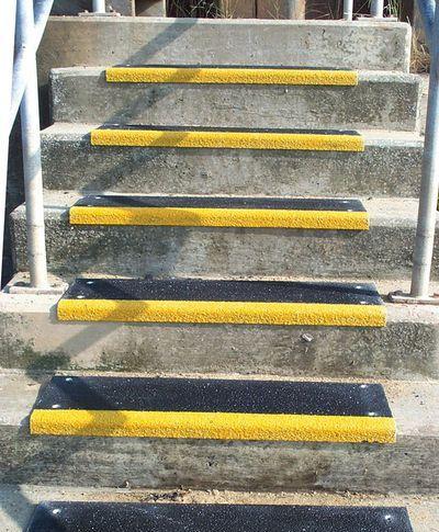 Treppenkantenschutz außen