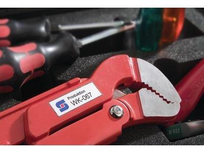 Individuelle Werkzeugkennzeichnung mit Logo und Ziffern-Buchstabenkombinationen
