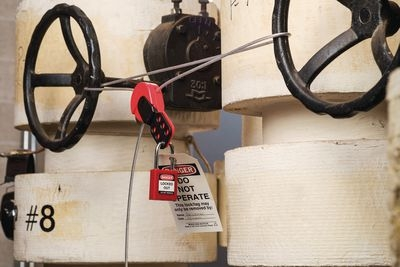 Blockierte Ventile durch Lockout-Tagout / Kabelverriegelung