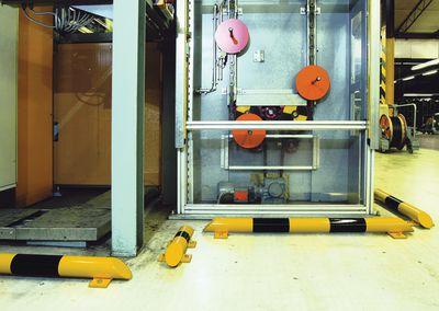 Ramm-Schutzvorrichtung für Produktionsanlagen