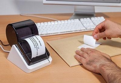 Adressetiketten beim Postversand