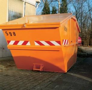 Container mit rot weißer Warnmarkierung