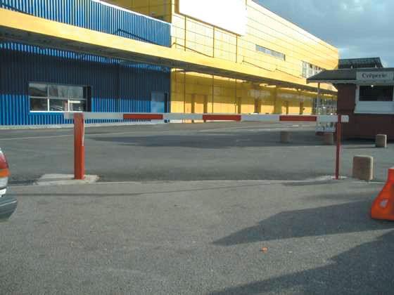 Barrières de parking levantes à vérin pneumatique