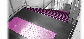 Signaler et sécuriser les escaliers à l'égard des handicapés