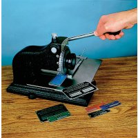 Standaard ponsmachine voor compacte reliëfdruk