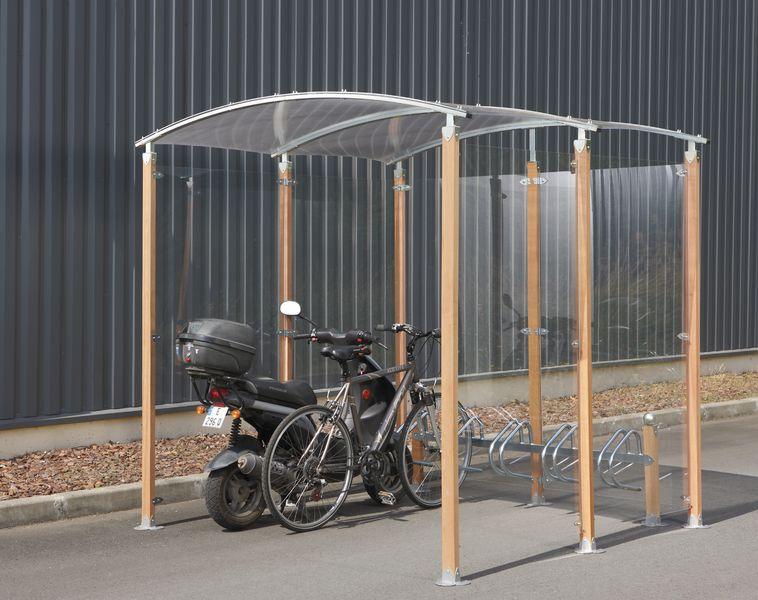 Magnifiek Fiets -en motoroverkapping met gebogen dak en houten palen | Seton @XV06